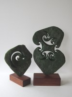sculpture_double_koru_jade_double_koru_carving